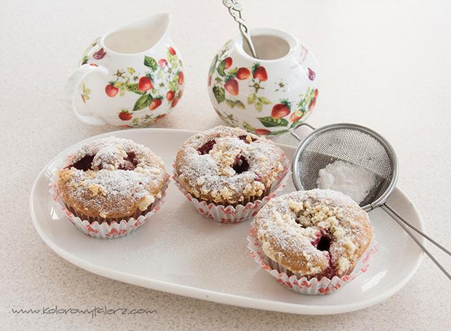 muffinki truskawkowe zmigdałową kruszonką