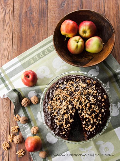 ciasto czekoladowe zjabłkami iorzechami