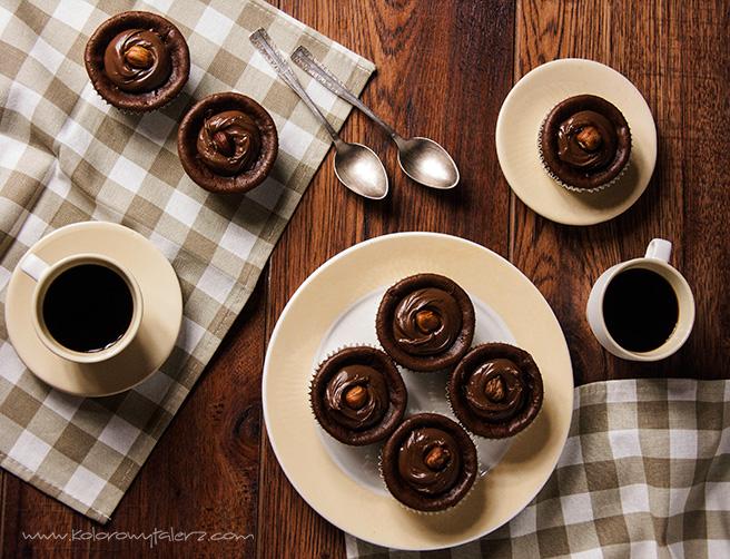 miniserniczki czekoladowe zorzechami laskowymi