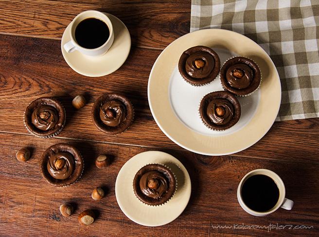 serniczki czekoladowe zorzechami laskowymi