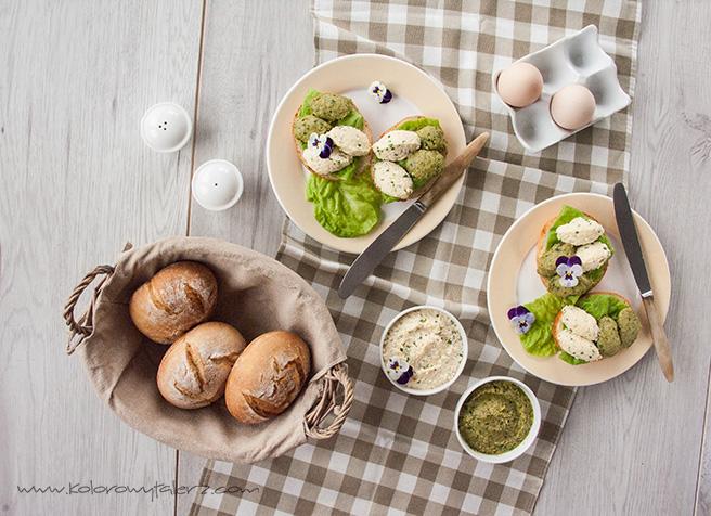 kanapki zpastą jajeczną iszparagowym pesto