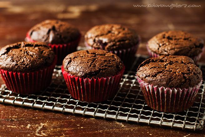 babeczki czekoladowe ztruskawkami
