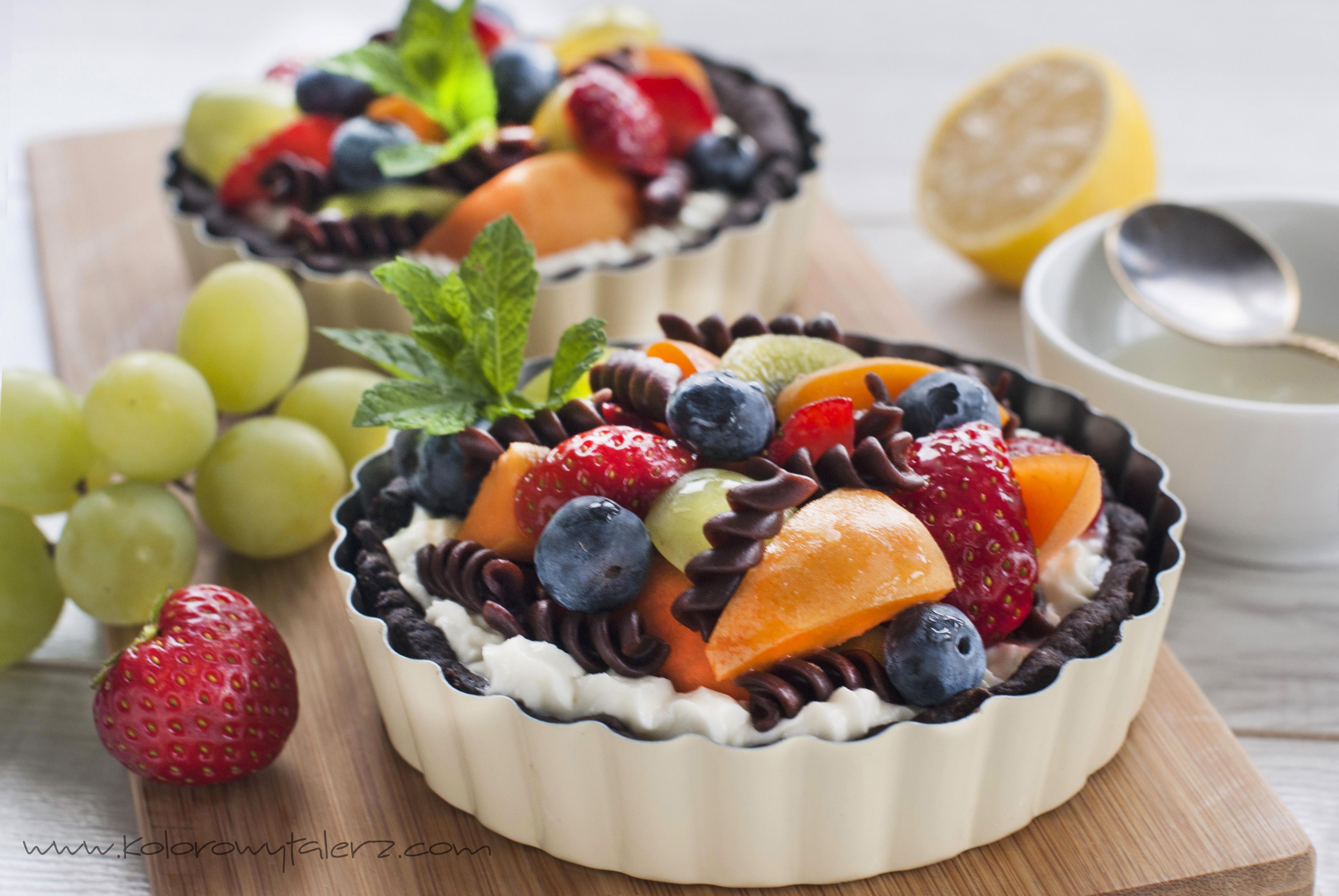 sałatka owocowa zmakaronem czekoladowym natartaletkach