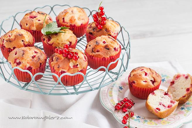 muffinki pieguski zczerwona porzeczką