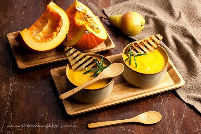 zupa krem zpieczoną dynią igrillowaną gruszką